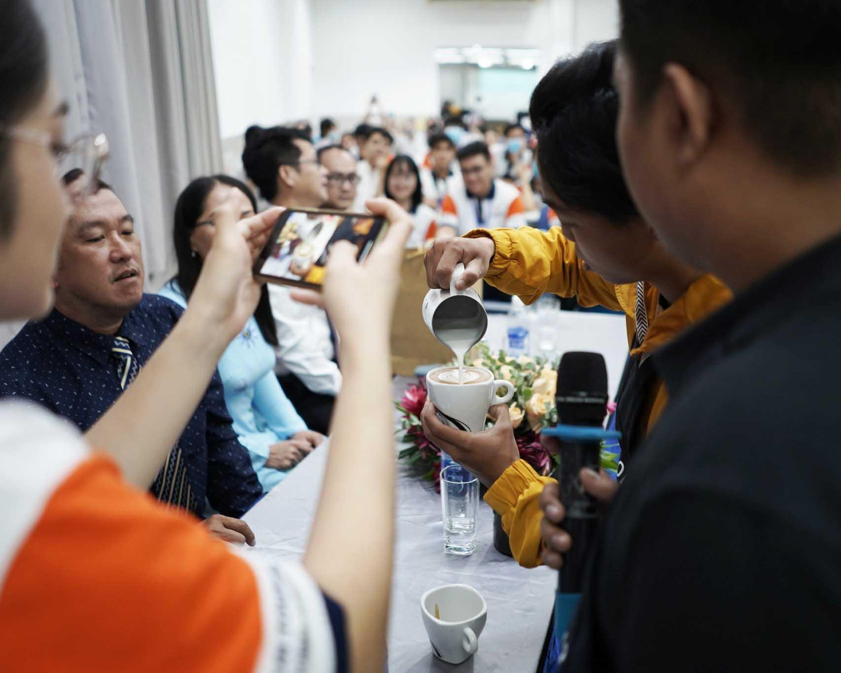 Chuyên đề Barista tại trường Cao Đẳng Nghề Du Lịch Sài Gòn